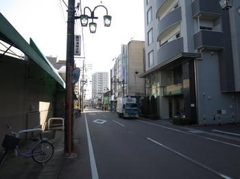 バロー江南店の南側は商店街ではなくなりつつある