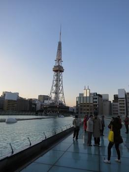 オアシス21「水の宇宙船」から見る名古屋タワー