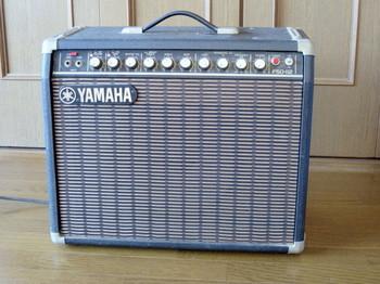 手に入れたヤマハのギターアンプF50-112