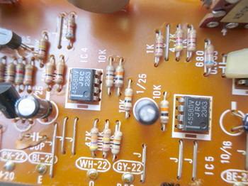 JRC4558DVがあちこちで使われている