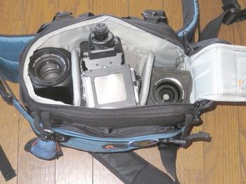 インバース200AWにカメラとレンズを入れたところ