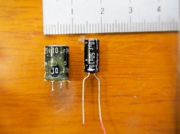 同じ耐圧容量のコンデンサでも新しい方が小さい