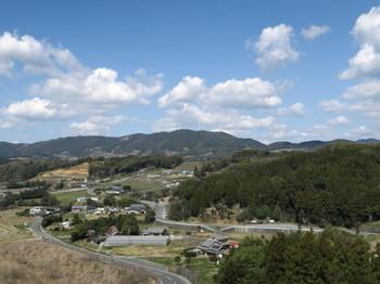 新東名・浜松SA上り側の展望台から東を眺む