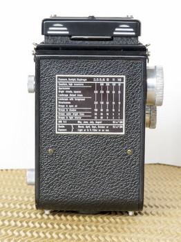 ローライコード3型の背面