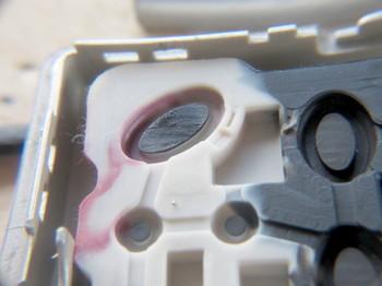 導電性ゴムの表面が傷んでいる