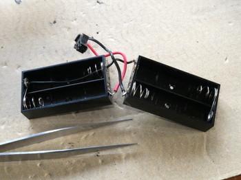 電池ボックス2個で3本使えるように配線したところ