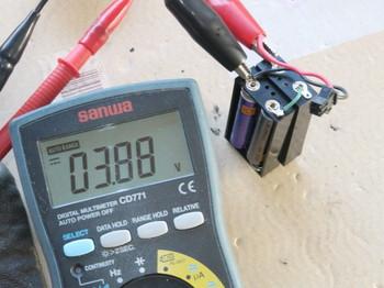 電池ボックスは正常に電圧が出るようになった