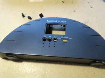 タクトスイッチ配線用の穴を開ける