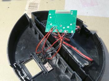 タクトスイッチの配線を基板にハンダ付けしたところ